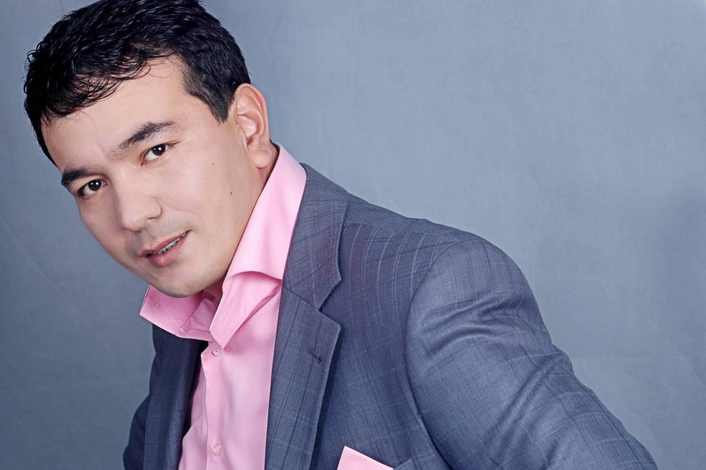 посочувствовали блогеру, узбекские певцы молодые фото стиль
